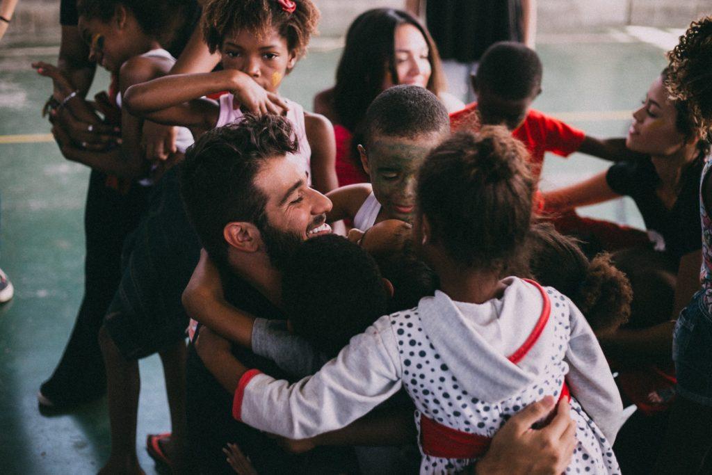 accion educativa con niños tercer mundo